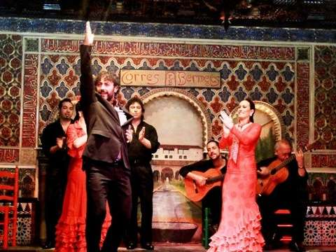 Flamenco Show With Cup and Transfers