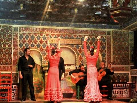 Flamenco show with tapas and transfers