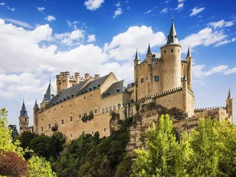 Avila and Segovia from Madrid With Tourist Lunch