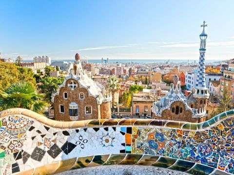 Barcelona: Park Güell - Access without Rows