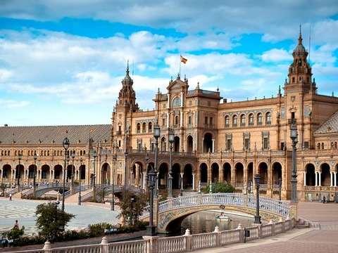 Seville: Half Day Tour - Cathedral and Alcázar (Sin Quelas)