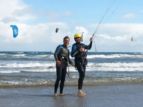 Semiprivate Class (Reduced Group) of Kitesurf