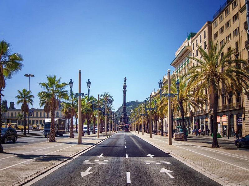 Tours a tour de barcelona en vespa guiado por gps 24 - Tiempo en badalona por horas ...