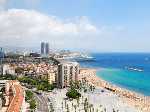 Tour de Barcelona en Vespa Guiado por Gps (24 Horas)