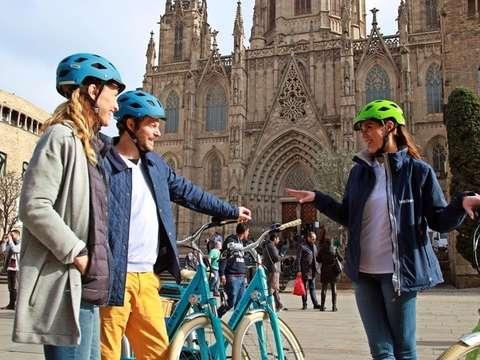 Tour Histórico en E-Bike por Barcelona - 2h30