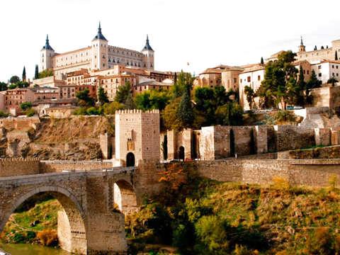 Toledo Medio Día Con Catedral