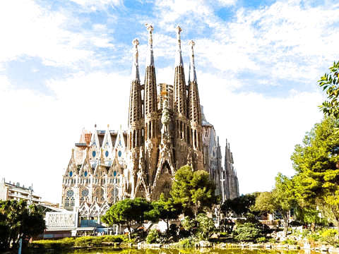 Combo: Monastery of Montserrat and Sagrada Familia