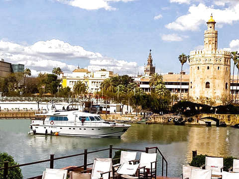 Premium Tour - Walking Tour + Yacht Tour + Flamenco