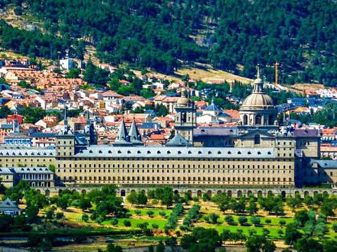 Tour to the Escorial & Valley of the Fallen