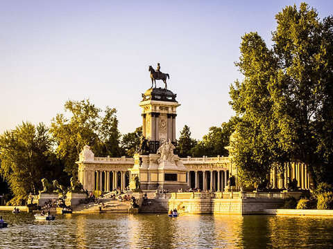 Madrid: Guided Tour of the Royal Palace and Retiro Park