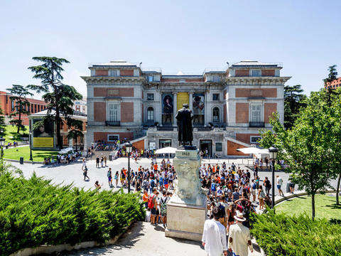 Madrid by Panoramic Bus and Prado Museum (Preferential Access)