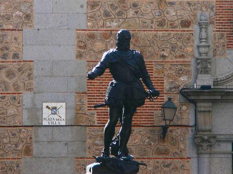 Madrid de los Austrias Tour + Royal Palace