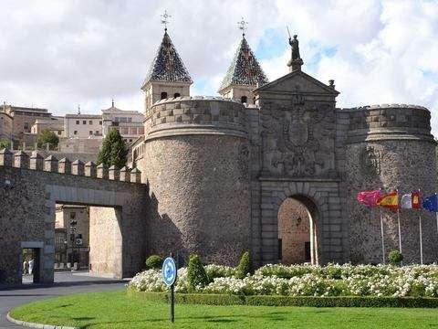 From Madrid: Toledo Medio Día and Real Sitio de Aranjuez