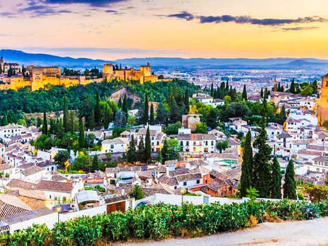 Guided Visit to the Albaicín and Sacromonte Neighborhoods