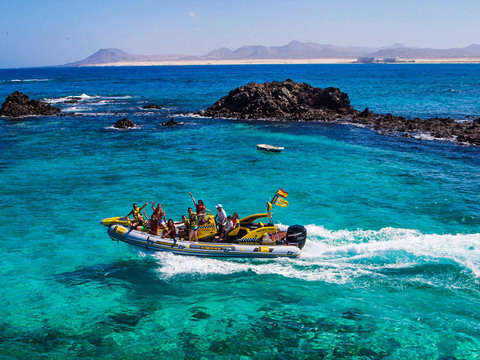 Water Taxi on Isla de Lobos - Round Trip