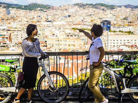 360º Barcelona: Electric Bicycle, Boat and Holy Family