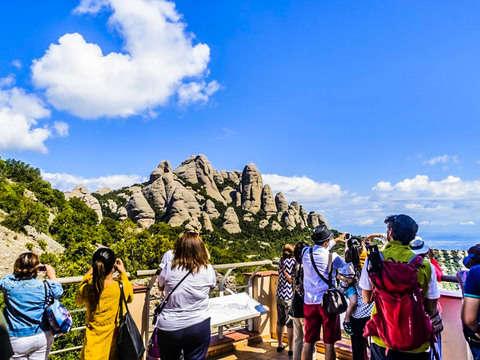 Montserrat Trekking Tour: Visit Monastery and Natural Park