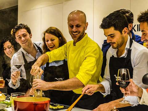Clase de Cocina Gourmet: Tapas, Paella y Sangría