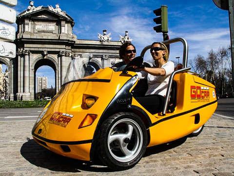 Car Madrid Histórico Con Audioguía 60 Minutos