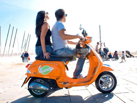 Barcelona Tour on Vespa Guided by Gps (6 Hours)