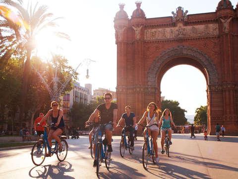 Bike Tour Histórico del Gótico Al Modernismo