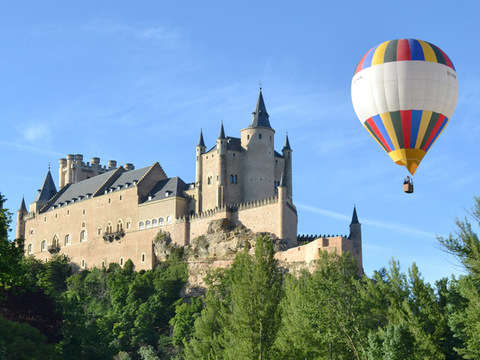 Balloon ride through Segovia